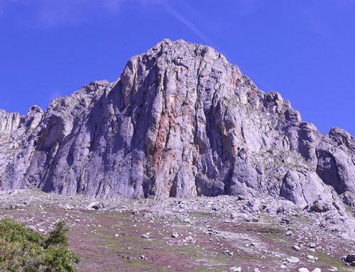Peña Cigal. Amigos. 6a, 120 m